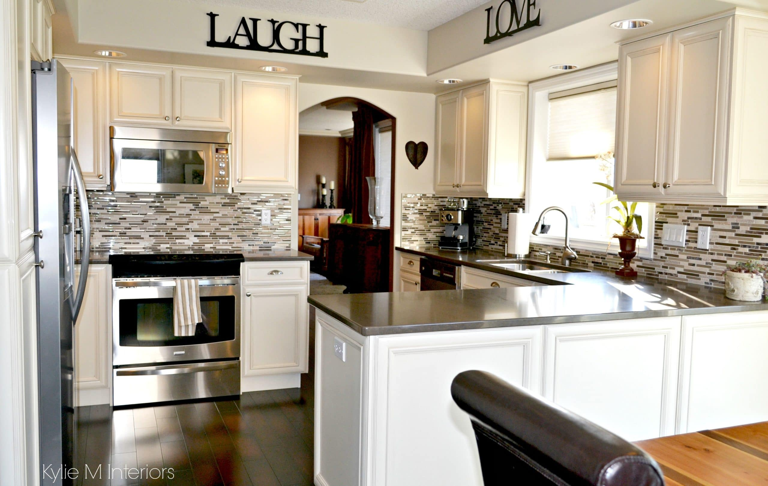 What Color Countertop Goes With Dark Cabinets What Color Countertops Go With Cream Cabinets