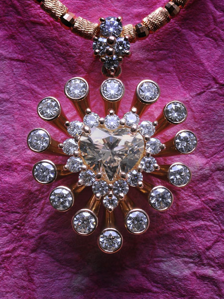 600-diamond-pendant-007