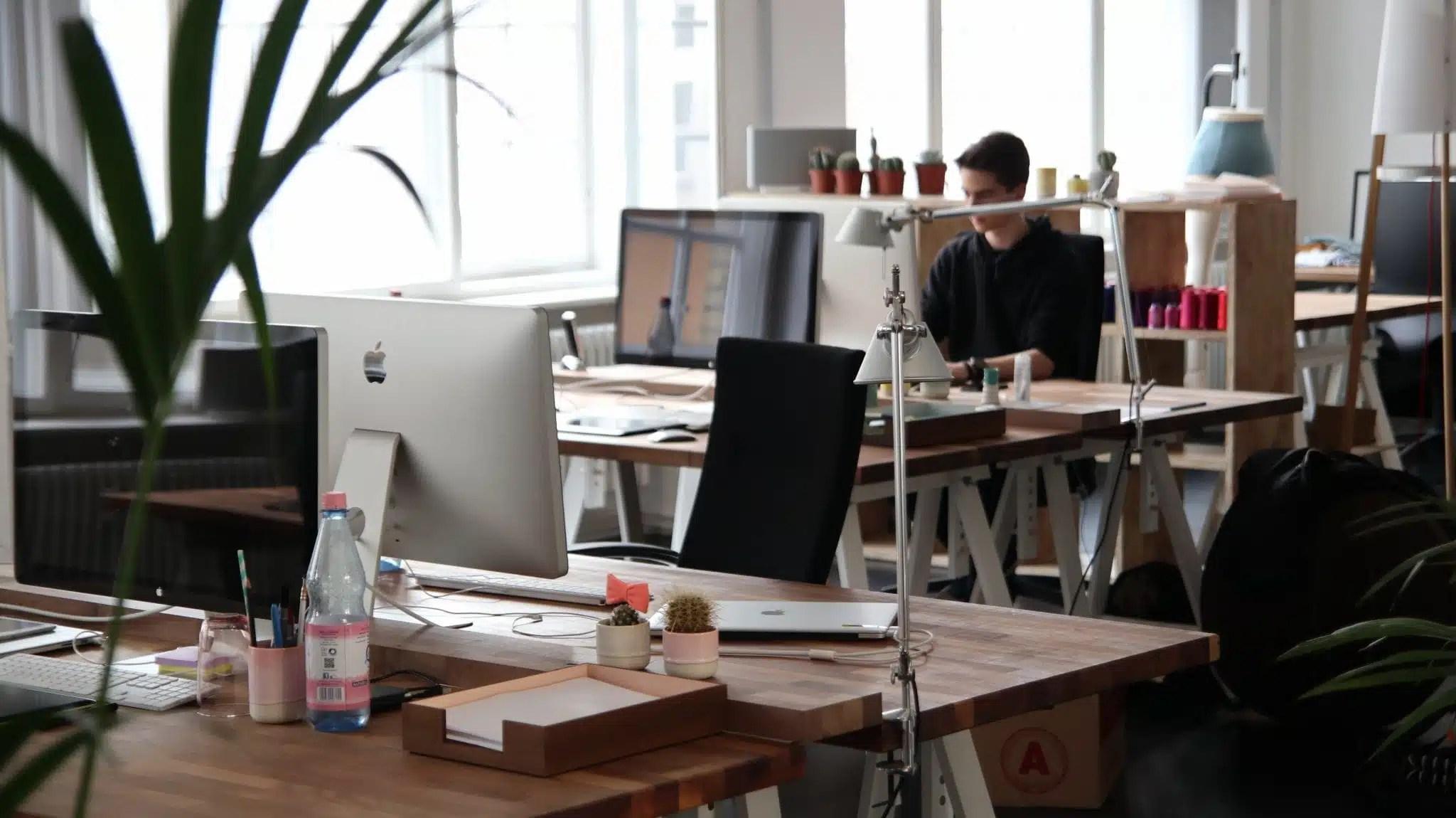 Aménagement bureau professionnel petit espace mobilier de bureau