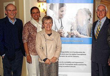 De g. à d. le Dr Guy Proulx, Guylaine Jaeger, Sylvie Lavoie et Jean Roy du C.A de la  Fondation Hélène-Tremblay-Lavoie