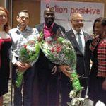 La chanteuse Nathalie Nadon, Marcel Grimard (un des cofondateurs d'Action positive), Carlos Idibouo (coordonnateur des interventions et des programmes pour Action positive), Jean-Rock Boutin (président d'Action positive) et Dada Gasirabo (directrice générale d'Oasis Centre des femmes).