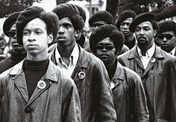 The Black Panthers: Vanguard of the Revolution souligne le 50e anniversaire de la création aux États-Unis du Black Panther Party.