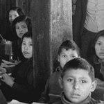 De jeunes Autochtones dans un pensionnat au début du 20e siècle.