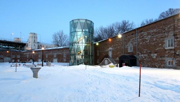 À proximité du pont Jacques-Cartier, le musée Stewart loge dans un ancien bâtiment militaire britannique, conçu pour protéger Montréal des Américains suite à la Guerre de 1812.