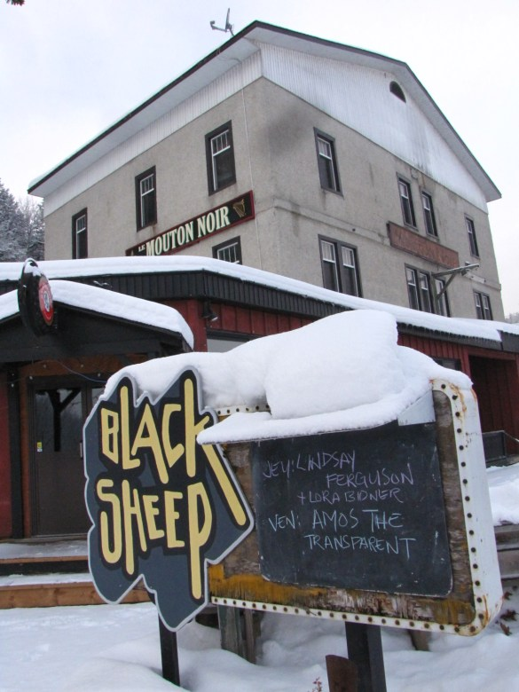 Le Black Sheep Inn invite les passants