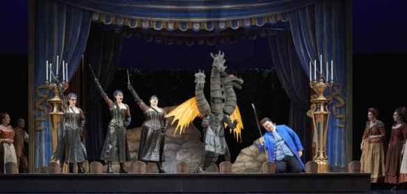 Lauren Segal, Emily D'Angelo, Aviva Fortunata et Andrew Haji dans «La Flûte enchantée» à la COC. (Photo: Michael Cooper)