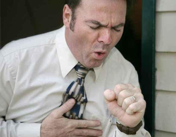crise-cardiaque-tousser