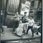 Enfants qui jouent, Cité Lesage-Bullourde, 1949-1954, Marilyn Stafford,