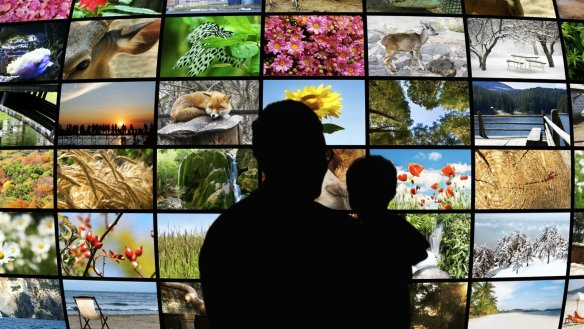 tv-mur-souvenirs-dreamstime