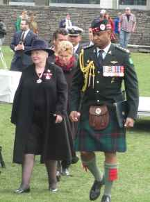 La lieutenante-gouverneure Elizabeth Dowdeswell et la première ministre de l'Ontario, Kathleen Wynne.