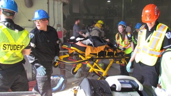 Les étudiants du Collège Boréal ont été mis à contribution pour simuler une catastrophe.