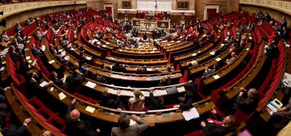 L'Assemblée nationale française sera dominée par une majorité de La République en marche, le parti du nouveau président Emmanuel Macron.
