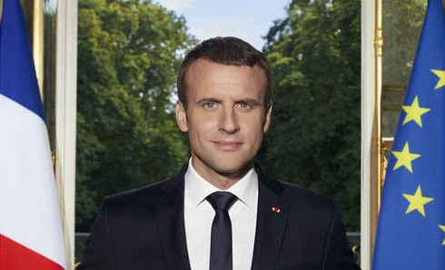 Détail de la photo officielle du président français Emmanuel Macron. (Photo: Soazig de la Moissonnière)