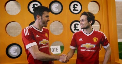 Michael Carrick and Daley Blind Shake Hands After the Challenge