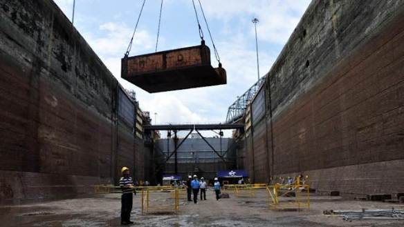 The Miraflores locks western gate during maintenance work on August 29, 2014 in Panama City