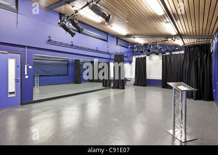Blueprint Short Stay School in Aylesbury, Buckinghamshire Stock - new blueprint centre aylesbury