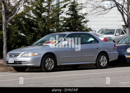 For Sale sign on car window - Virginia USA Stock Photo 68693611 - Alamy