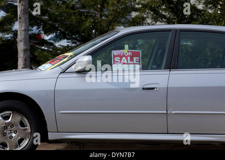 For sale sign on car window Stock Photo 132932865 - Alamy