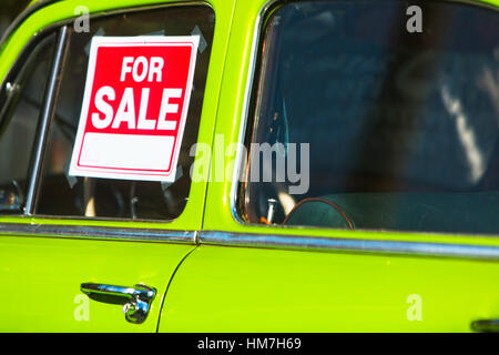 For sale sign on the car window Stock Photo 61229599 - Alamy