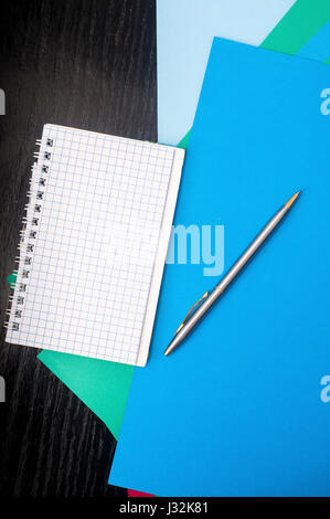 colored paper, pen and writing pad Stock Photo 139585948 - Alamy - colored writing paper