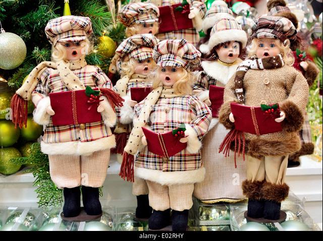 Christmas Carolers Stock Photos \ Christmas Carolers Stock Images - christmas carolers decorations