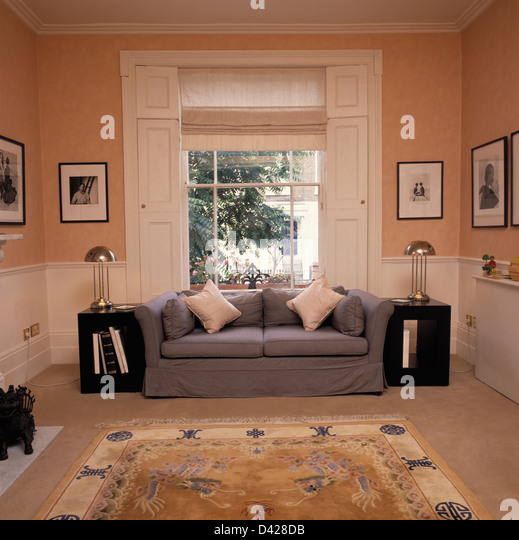 Blind Traditional Sitting Room Stock Photos \ Blind Traditional - peach living room