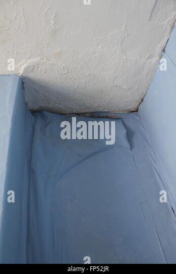 Damp Wall Stock Photos & Damp Wall Stock Images - Alamy