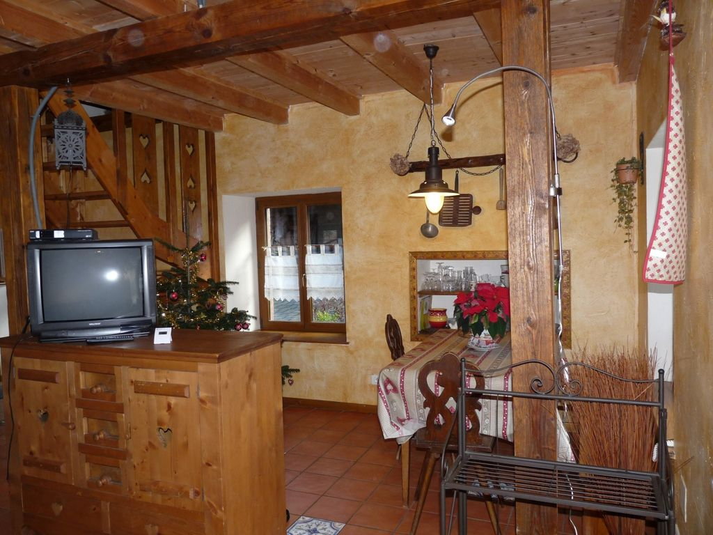 Les Tables De La Fontaine Salon Gite 4 People In A Farm In Alsace Near Colmar Holiday Rental