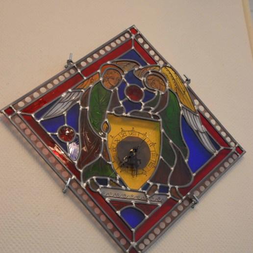 Horloge inspirée d'un vitrail de la cathédrale de Chartres