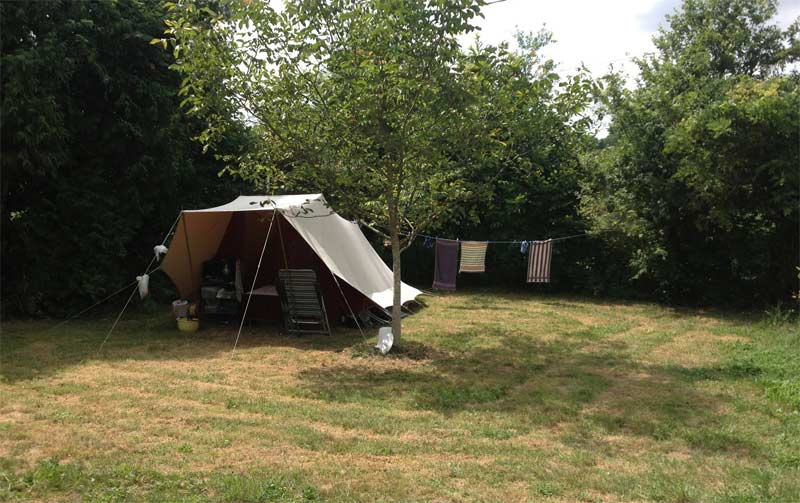 camping-frankrijk-limousin-kamperen-bij-de-boer-pipowagen-tent