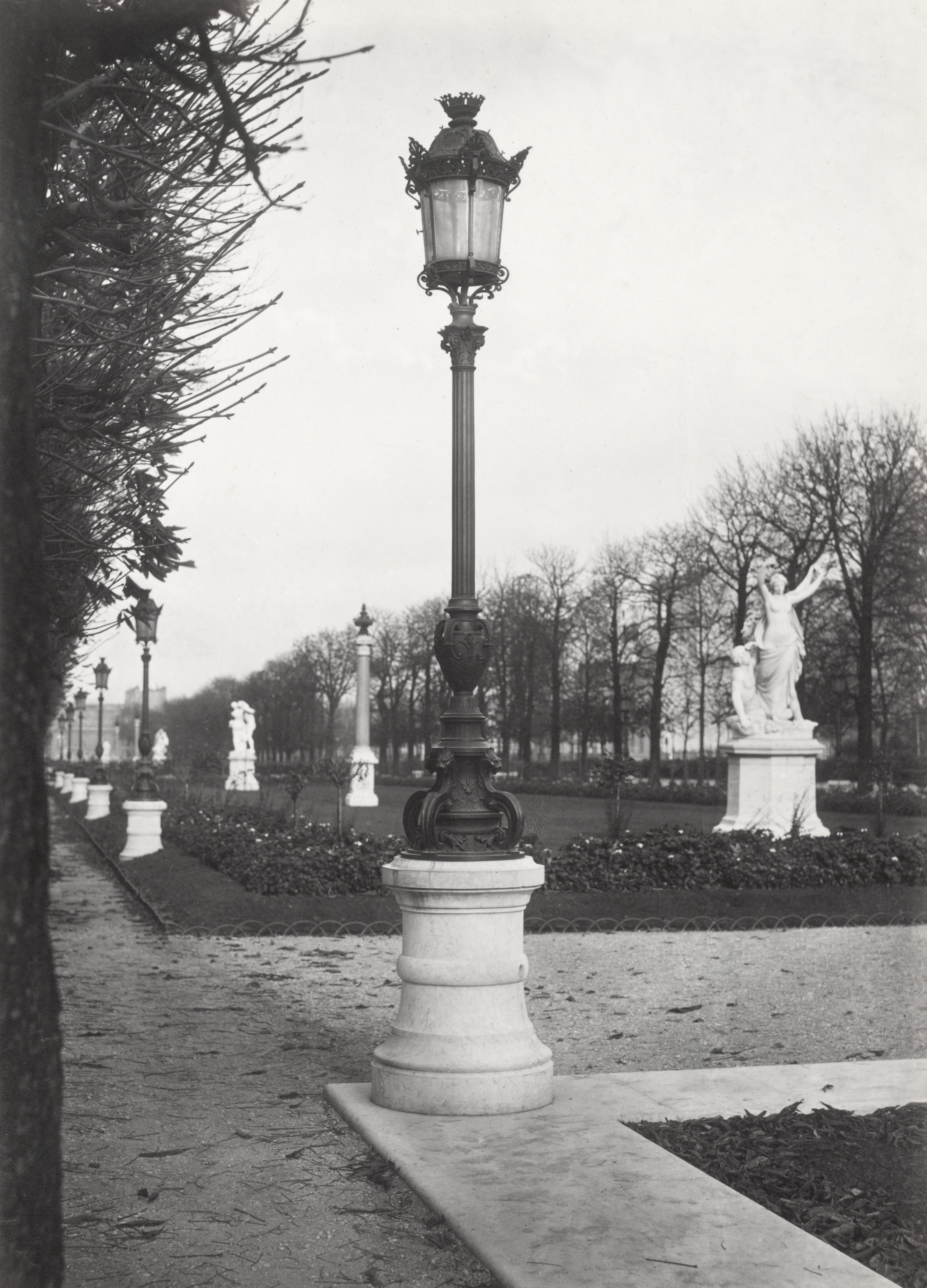 Eclairage Video Led Lampadaire_paris_charles_marville_jardin_du_luxembourg