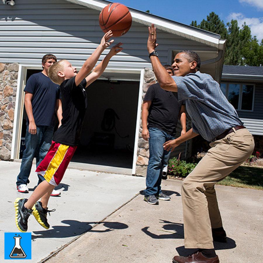 president-obama-kid-bball