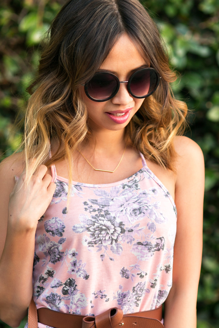 petite fashion blog, lace and locks, los angeles fashion blogger, everly dress, spring floral dress, reversible tote bag for women, cute spring outfits