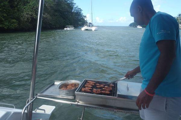 Barbacoa en el catamarán