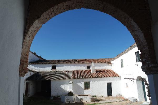 Ermita de la virgen del Ara.