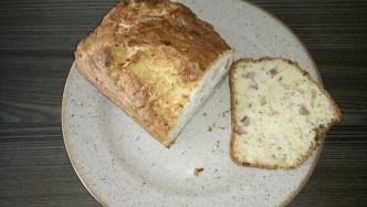 Cake aux lardons et aux herbes