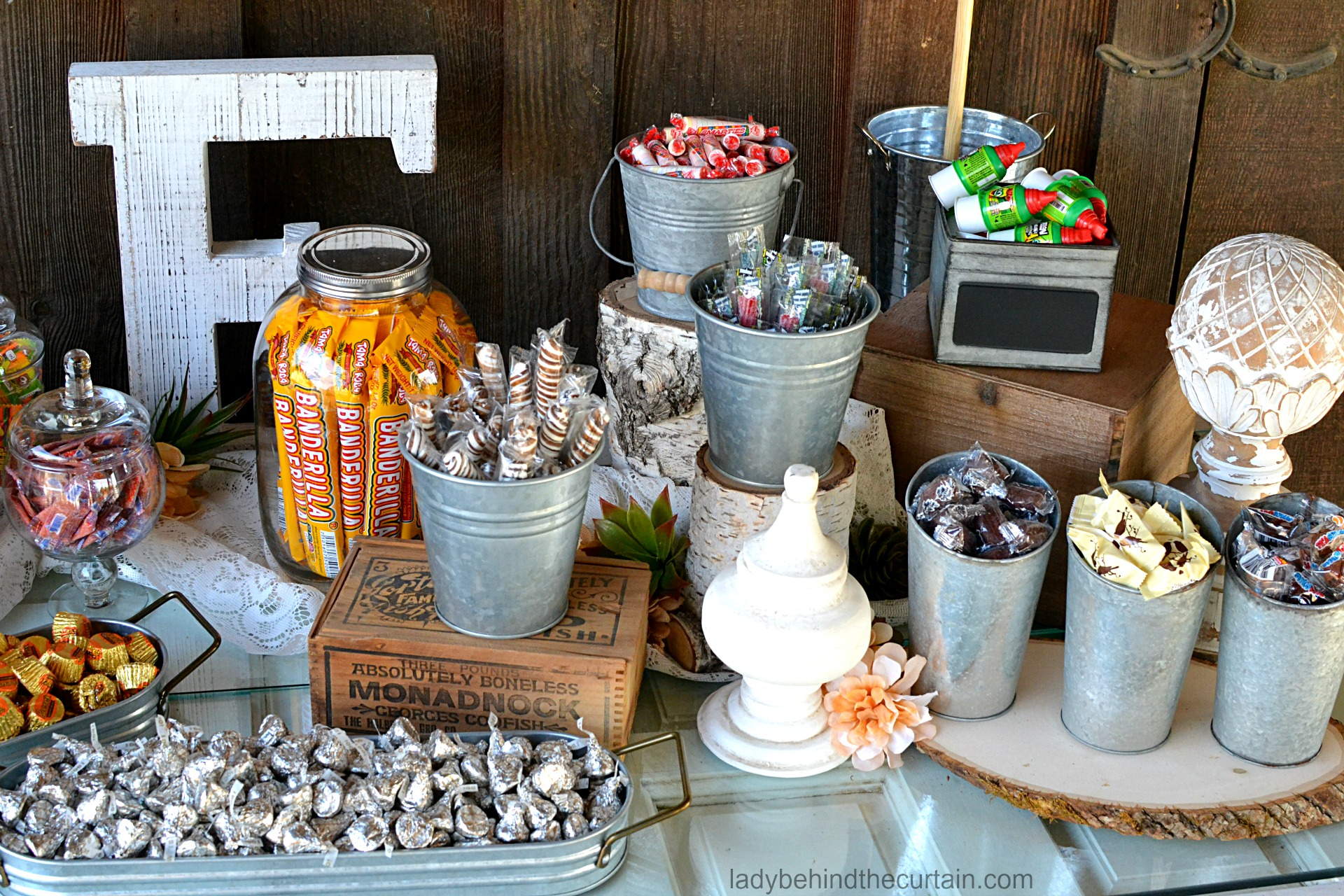 Rustic Buffet Table Setting Rustic Wedding Candy Buffet