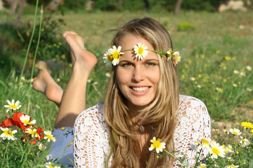 Blonde Girl In The Woods Wallpapers Diy Floral Headpieces Ladyclever