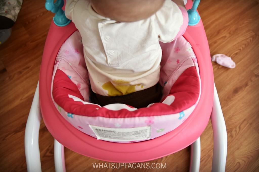 baby-poop-stain-on-Onesie-1024x681