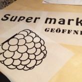 Schablonen für Schilder und Logos, die ich mit einem Skalpell vorsichtig ausgeschnitten habe.
