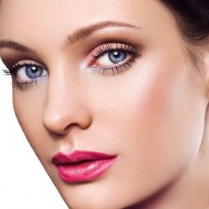 make-up-occhi-azzurri-con-ombretto-rosa-chiaro