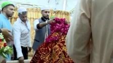 British boxer Amir Khan visits the shrine of Hazrat Data Ganj Baksh