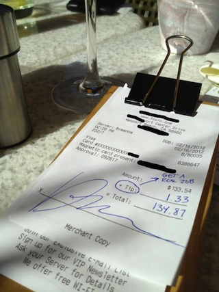 Restaurant Responds to 1 Tipper Who Wrote Waitress Should \