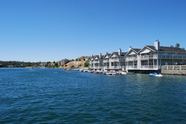 Waterfront Condo on the Shores of Lake Tulloch!