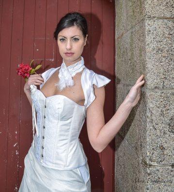 corset-mariee-soie-dentelle