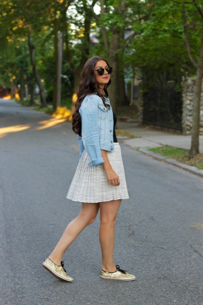 La Mariposa Blog, Pleated Summer Skirt & Glitter Keds Sneakers, Casual Summer Skirt, Styling Keds