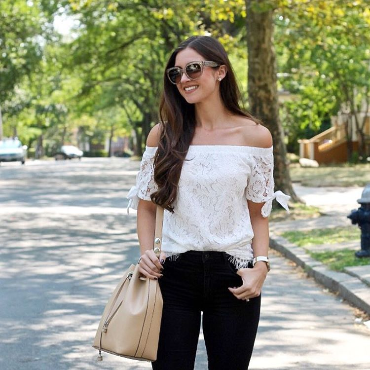 Off the shoulder amp lace?! Yes please!!  Adoro estahellip