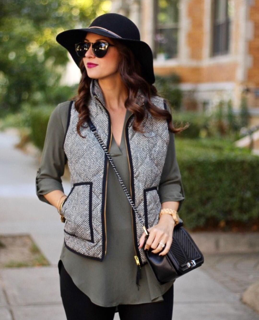 Fall sale alert! This puffervest and olive blouse are bothhellip