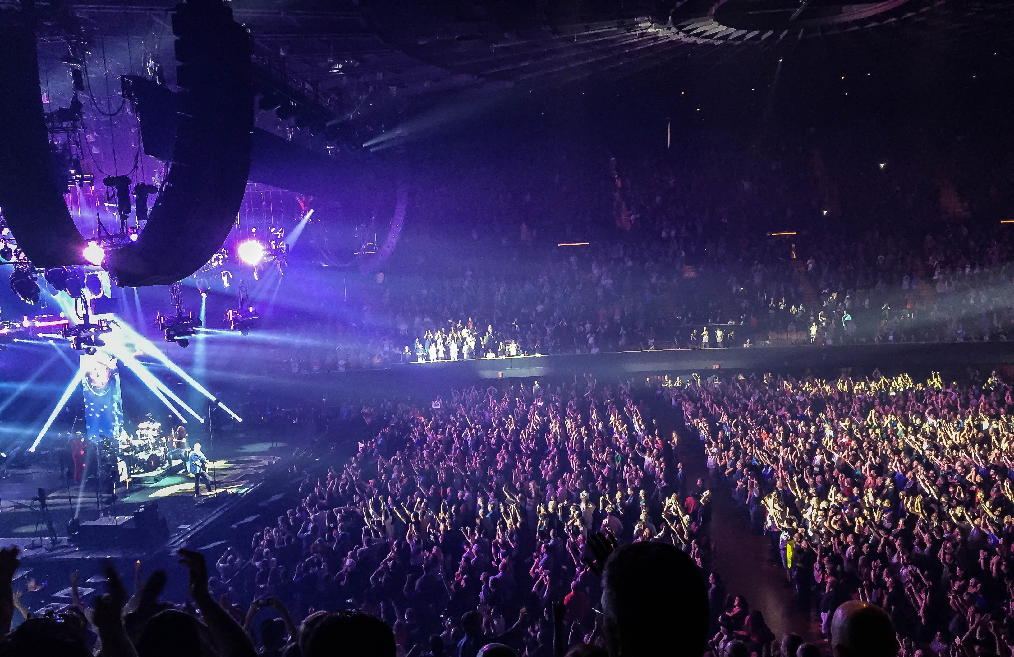 Los Angeles Honors Rush with a Sold Out Show - LA METAL ... Jonathan Dinklage Violinist