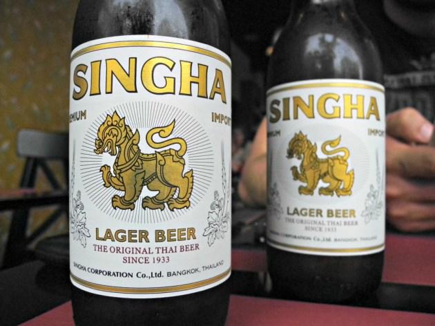 Cervezas tailandesas Singha.